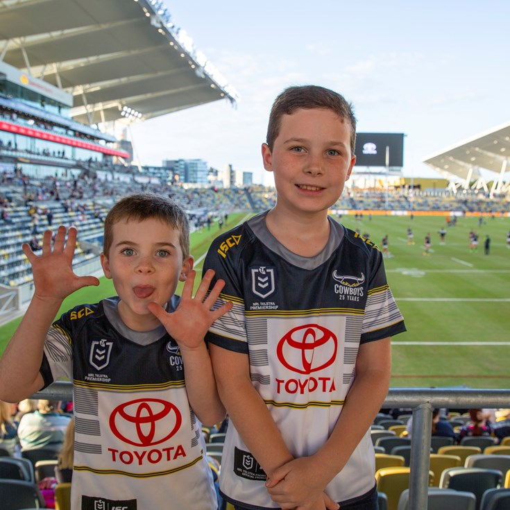 Fan gallery: Round 12 v Raiders