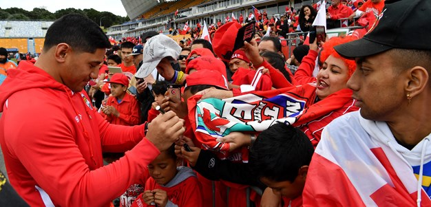 Tongan fans go nuts for heroes
