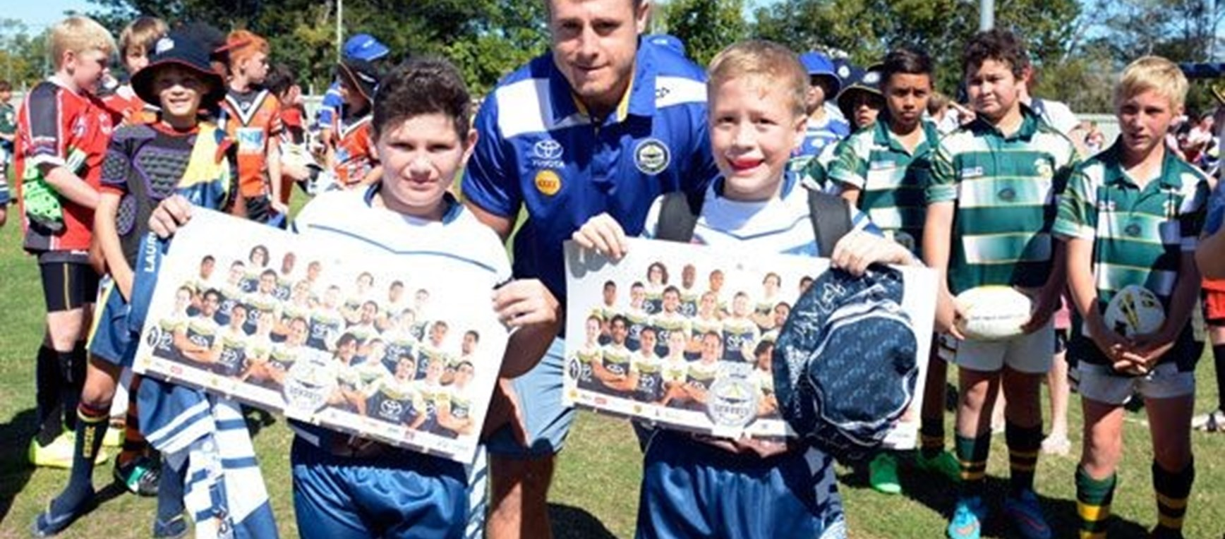 Laurie Spina Shield | Signing session